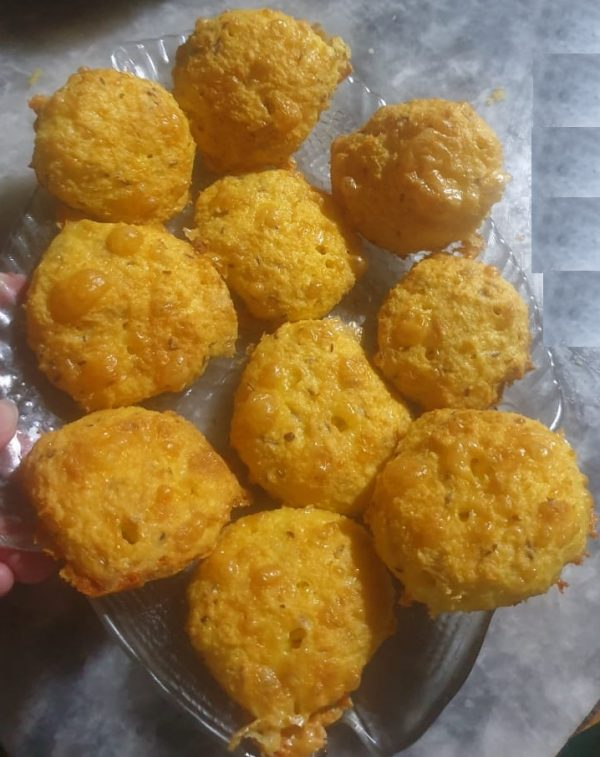 Keto Coconut Cheese Garlic Macroons